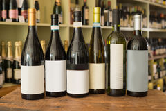Загерметизированные немеченые бутылки вина Стоковая Фотография RF