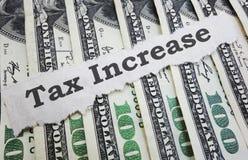 Заголовок новостей роста налога стоковая фотография rf
