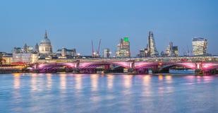 загоранный горизонт london Стоковые Фотографии RF