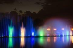 Загоренная ноча фонтана Стоковое Фото
