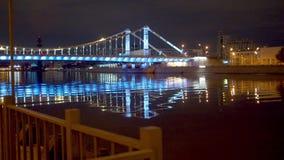 Загоренный мост над рекой акции видеоматериалы