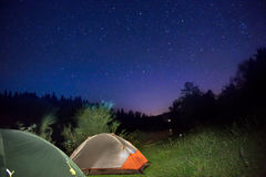 2 загоренных шатра на горах Стоковая Фотография
