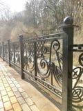Загородка вдоль реки стоковое изображение rf
