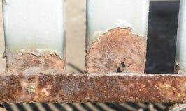 Загородка металла заполненная с ржавчиной Стоковое фото RF