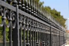 Загородка металла Металл курчавый обнесет забором парк стоковое фото rf