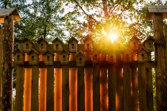 Загородка от birdhouses стоковые фотографии rf