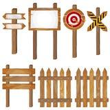 Загородка, деревянные шильдики, знак стрелки, дротик цели Стоковые Фотографии RF