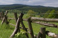 Загородка, леса, поля и горы Стоковые Фотографии RF
