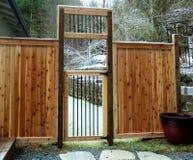 Загородка задворк на морозном утре Стоковая Фотография