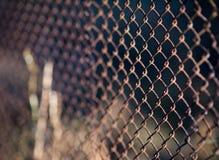 Загородка старого утюга стали решетки металлическая ржавая промышленно Стоковые Изображения RF