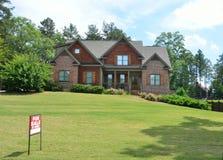 Загородный дом для продажи Стоковые Фото