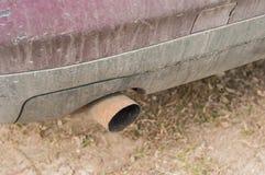 Загрязнение атмосферы отработанных газов планеты автомобилей стоковое фото