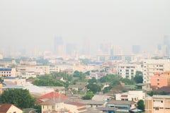 Загрязнение воздуха от серий пыли или PM2 частица 5 превышает стандарт на Бангкоке, Таиланде Отрицательный эффект на дыхательной  стоковая фотография