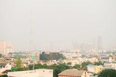Загрязнение воздуха от серий пыли или PM2 частица 5 превышает стандарт на Бангкоке, Таиланде Отрицательный эффект на дыхательной  стоковые изображения