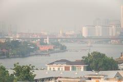 Загрязнение воздуха от серий пыли или PM2 частица 5 превышает стандарт на Бангкоке, Таиланде Отрицательный эффект на дыхательной  стоковые изображения rf