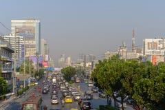 Загрязнение воздуха от серий пыли или PM2 частица 5 превышает стандарт на городе Бангкока, Таиланде стоковые фотографии rf
