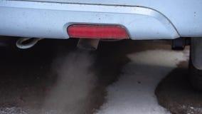 Загрязнение окружающей среды выхлопной трубы воздуха на автомобиле акции видеоматериалы