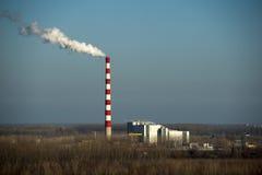 Загрязнение дымовой трубы в воздухе стоковые фотографии rf