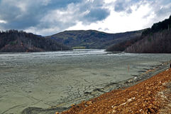 Загрязненное загрязнение шахтной воды эксплуатирования медного рудника Стоковые Изображения RF
