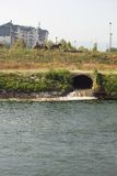 Загрязнянное река Стоковое Изображение RF