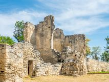 Загубленная архитектура в des Baux-de-Провансали замка стоковое изображение rf
