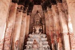 Загубленная скульптура Будды Wat Chai Watthanaram, Ayutthaya, тайского стоковое изображение rf