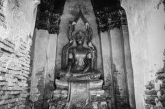 Загубленная скульптура Будды Wat Chai Watthanaram, Ayutthaya, тайского стоковое фото rf