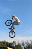 задействуя спорт BMX велосипеда Стоковые Изображения