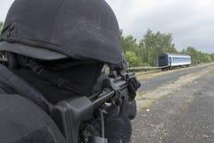 Задержание полиции террористов стоковое изображение