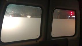 Задние окна машины скорой помощи видеоматериал