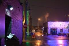 Задний переулок вечером стоковая фотография