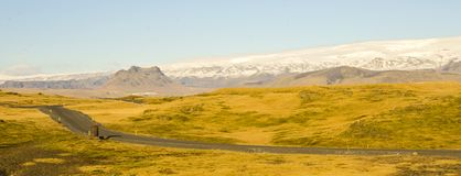 Задняя дорога через ландшафт Исландии Стоковые Изображения RF