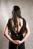 задняя красивейшая женщина шпаги Стоковые Фото