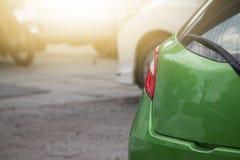Задняя сторона зеленого автомобиля Стоковое Фото