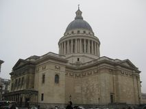 Задняя часть le Panthéon в Париже стоковые фотографии rf