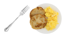 Зажаренная английская булочка с взбитыми яйцами Стоковая Фотография RF