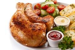 зажаренная в духовке нога цыпленка Стоковые Фото
