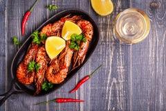 Зажаренная креветка с лимоном и белым вином Стоковое Изображение RF