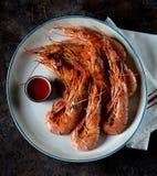 Зажаренная креветка с перцем чеснока, соевого соуса, оливкового масла, имбиря и chili Взгляд сверху Стоковое Изображение