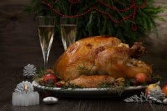 Зажаренное в духовке рождество Турция с яблоками самосхвата стоковые изображения