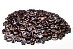 Зажаренное в духовке крупным планом кофейное зерно Стоковое Изображение RF