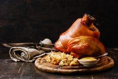 Зажаренное в духовке eisbein костяшки свинины Стоковая Фотография RF