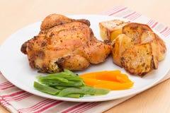 Зажаренное в духовке Poussin или Cornish курица игры Стоковые Изображения RF