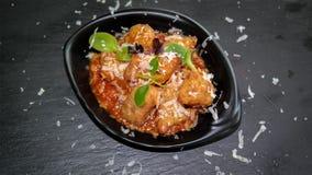 Зажаренное очень вкусное забавляет закуску bouche - зажаренную еду, который нужно делить стоковые фотографии rf