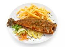 Зажаренное филе рыб с французскими фраями Стоковые Изображения RF
