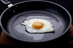зажаренное яичко Стоковые Изображения RF