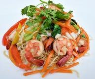 Зажаренное Noodls с морепродуктами Стоковое Фото