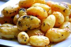зажаренные в духовке картошки Стоковые Изображения