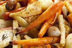 зажаренные в духовке овощи корня Стоковые Фотографии RF