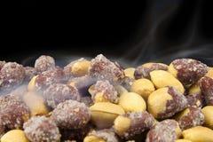 Зажаренные в духовке солёные арахисы Стоковые Изображения